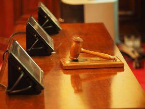 judge-1587300__480